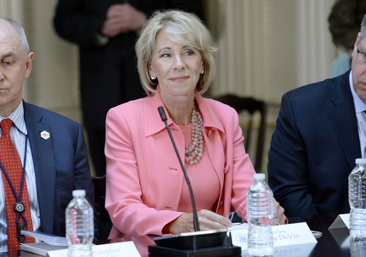 Should DeVos Block an Embattled Student Loan Giant's Attempt to Expand?