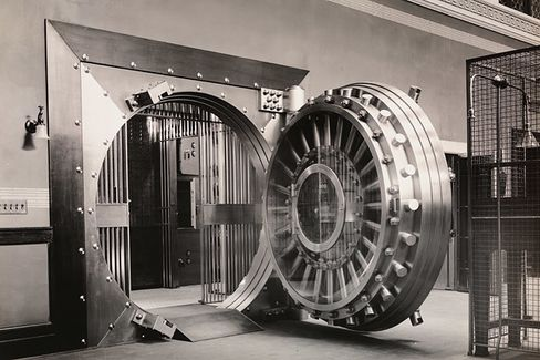 U.S. Bank Regulators Go Bigger Than Basel, Seek Tougher Capital Rules