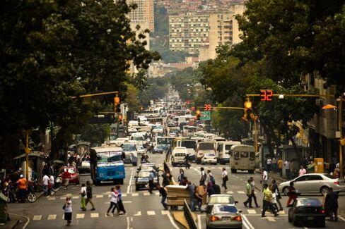 Falling Oil Prices Push Venezuela Deeper Into China's Orbit