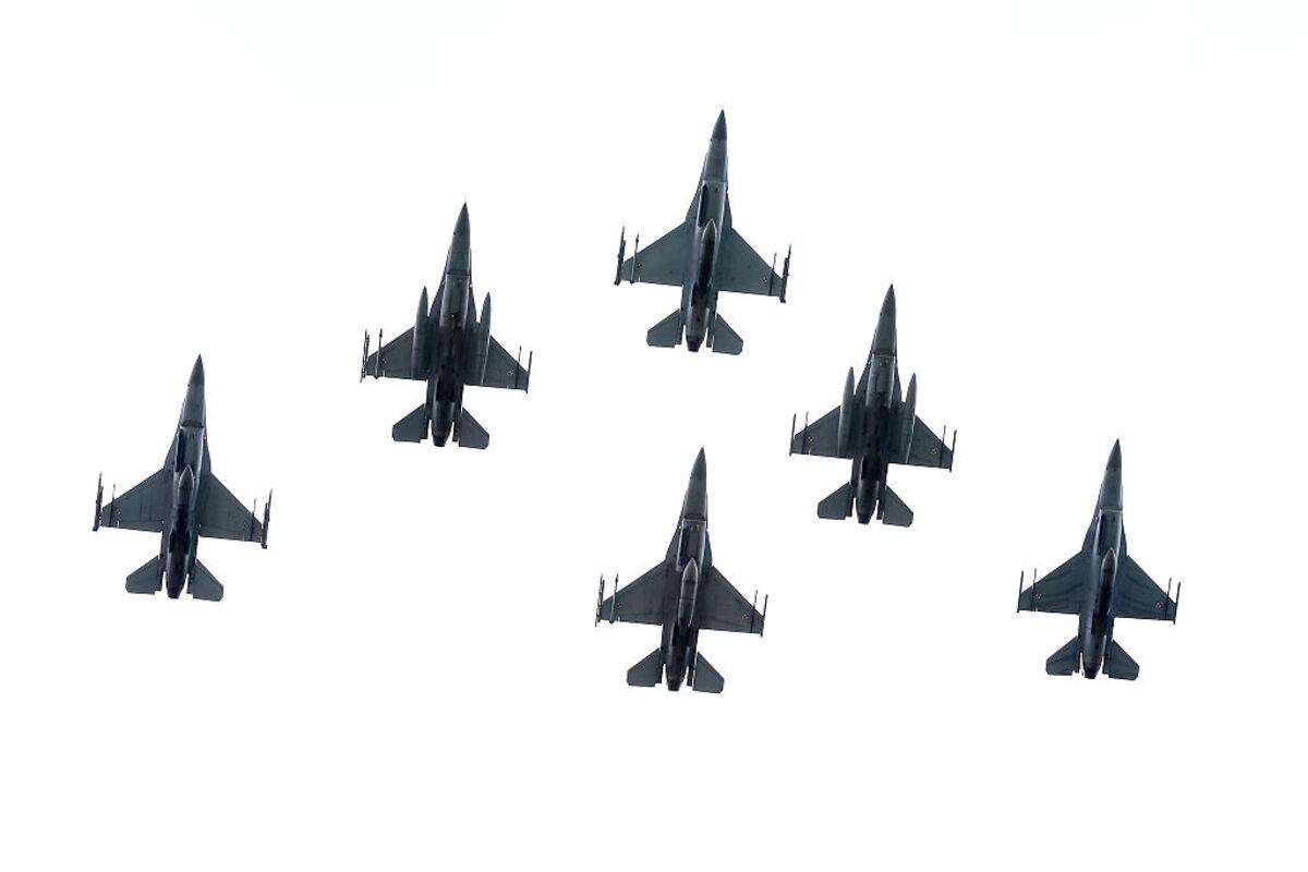 1200x-1.jpg
