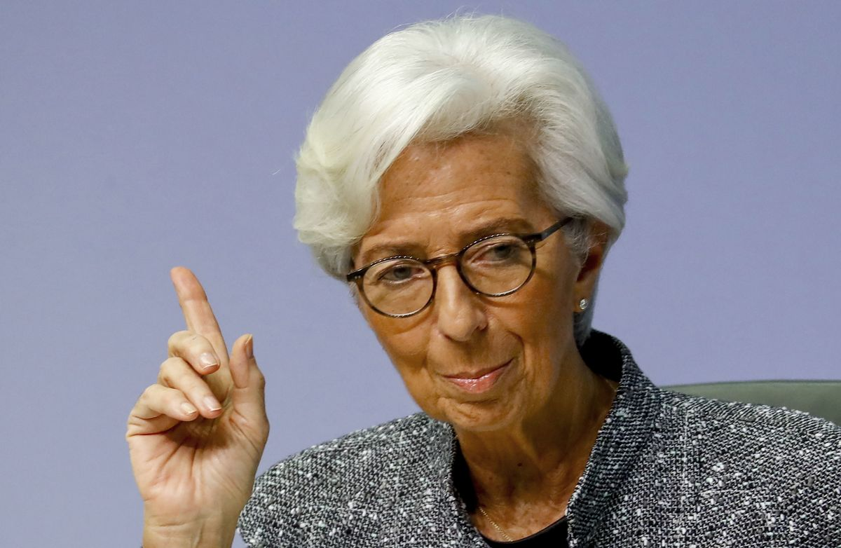 ECB's Lagarde Says Virus Resurgence Is a Clear Risk to Economy