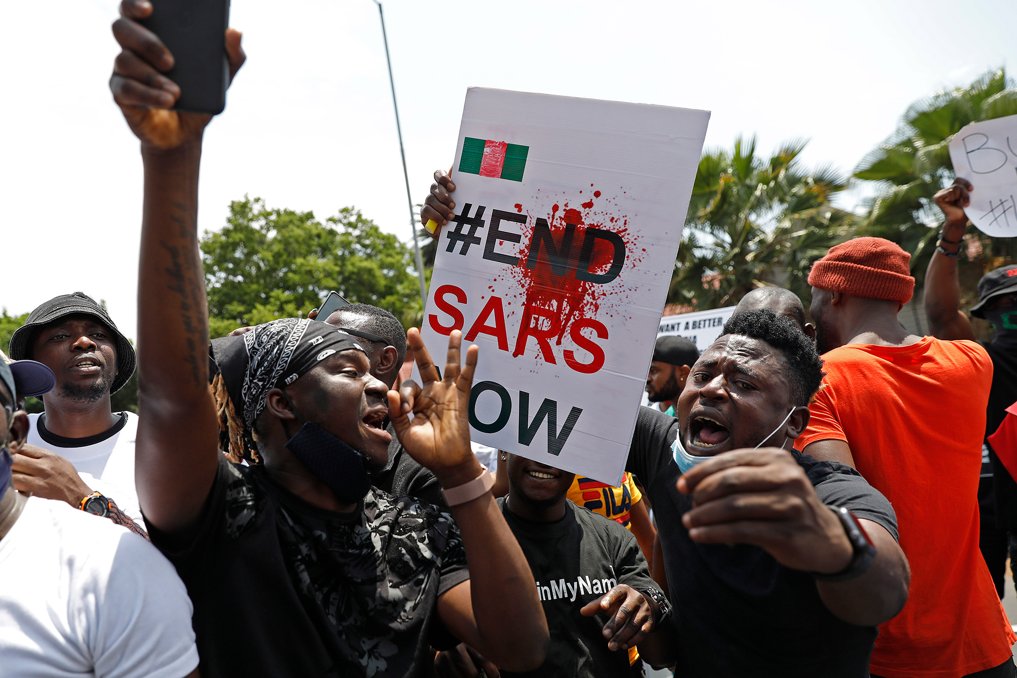 Nigeria's government is attempting to quell demonstrations against police brutality.