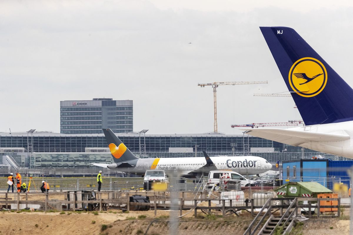 Germany Mulls Emergency Loan for Condor as Lufthansa Looks On