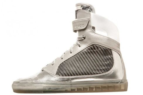 GE Modernizes Moon Boots and Sells Them as Sneakers