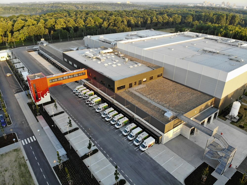 Amazon com Faces a Challenge: German Grocer Rewe's New Warehouse