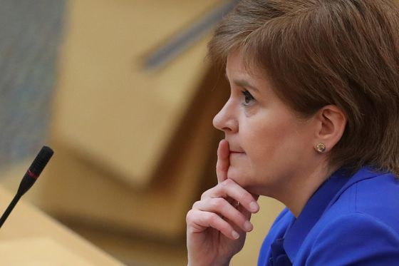 Scottish Nationalists May Fall Short of Majority, Poll Shows