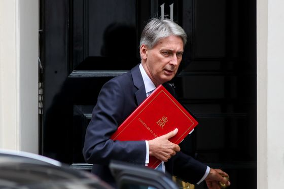 U.K. May Need New Budget If No Brexit Deal Is Reached