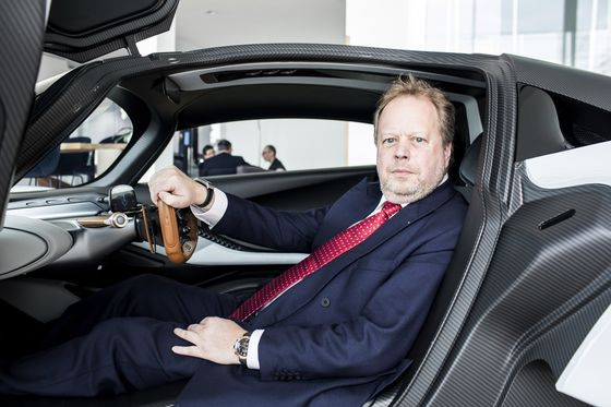 Aston Martin Plunges After CuttingVehicle Sales Forecast on Challenging Outlook