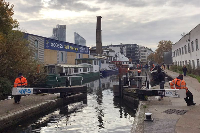 relates to Londoners Are Taking to Canal Boats to Beat High Property Costs