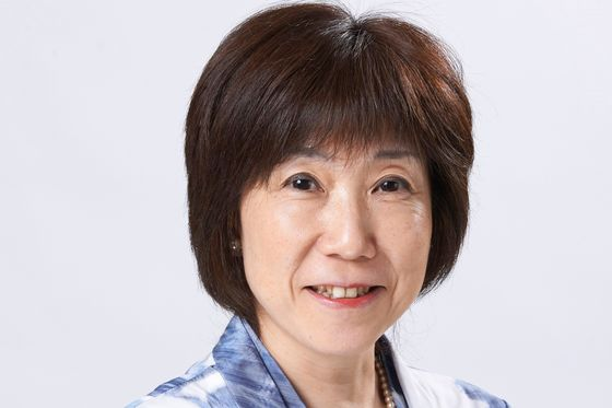 SoftBank's First Female Director to Leave After Challenging Son