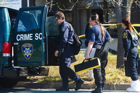 Crime Sweeping Oakland Shows City Losing in California Rebound