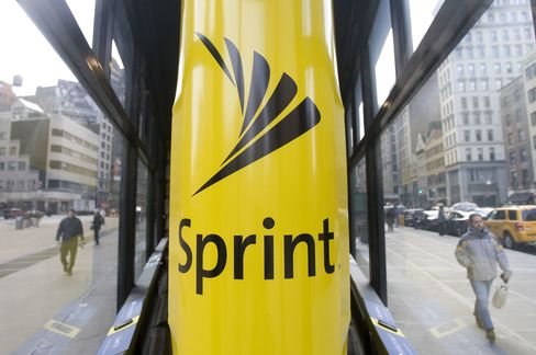 Sprint Sues to Block AT&T's $39 Billion Takeover of T-Mobile