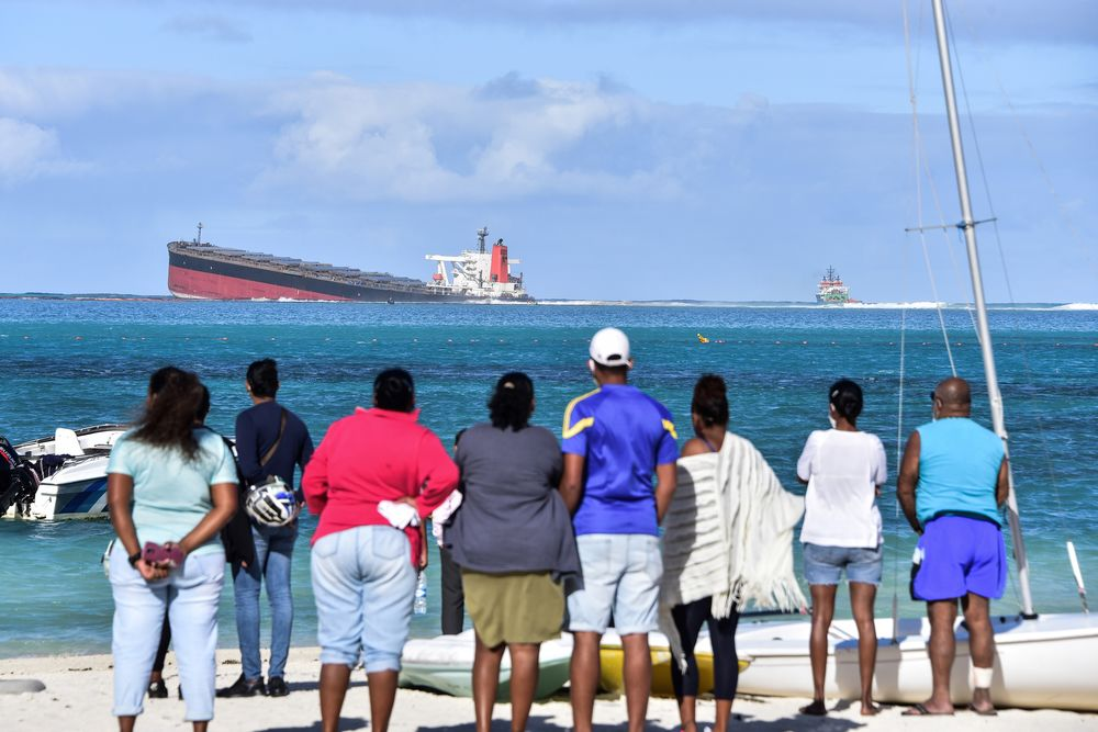 Tourism and Holidays: Mauritius Bars Access to Beach as Oil Leaks ...