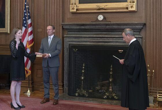 Barrett Enters Fray of Trump's Acrimonious Legal Battles