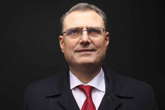 SNB's Jordan Says Option to Lower Rates Remains on Table