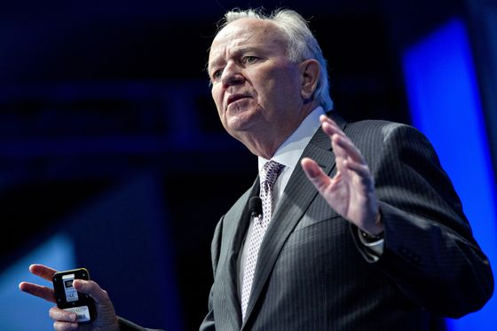 AutoNation CEO Says Chip Shortage Could Drag On for a Year