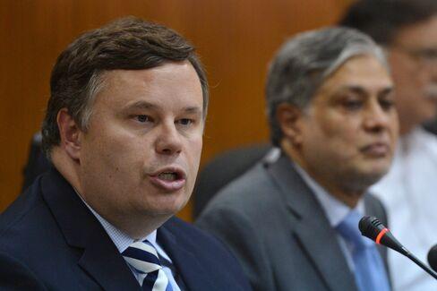 IMF Mission Head Jeffrey Franks and Finance Minister Ishaq Dar