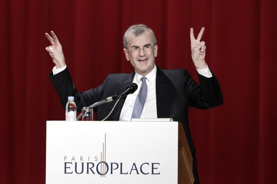 Villeroy Sees No Need to Define Reinvestments Length in December