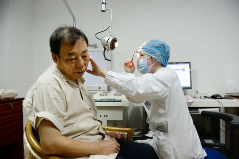 Two-Thirds of Chinese Don't Trust Doctors, Amid Rising Hospital Violence