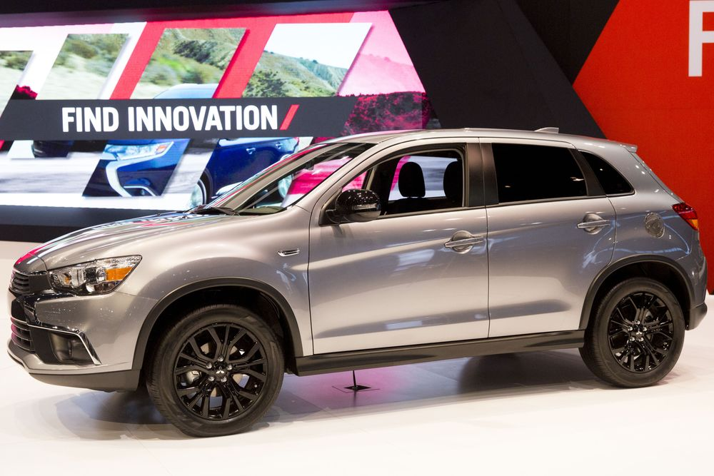Mitsubishi Promotes Hybrid SUV in Post-Ghosn Push Into Europe