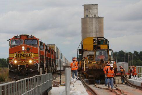 Dual track construction in Alva.