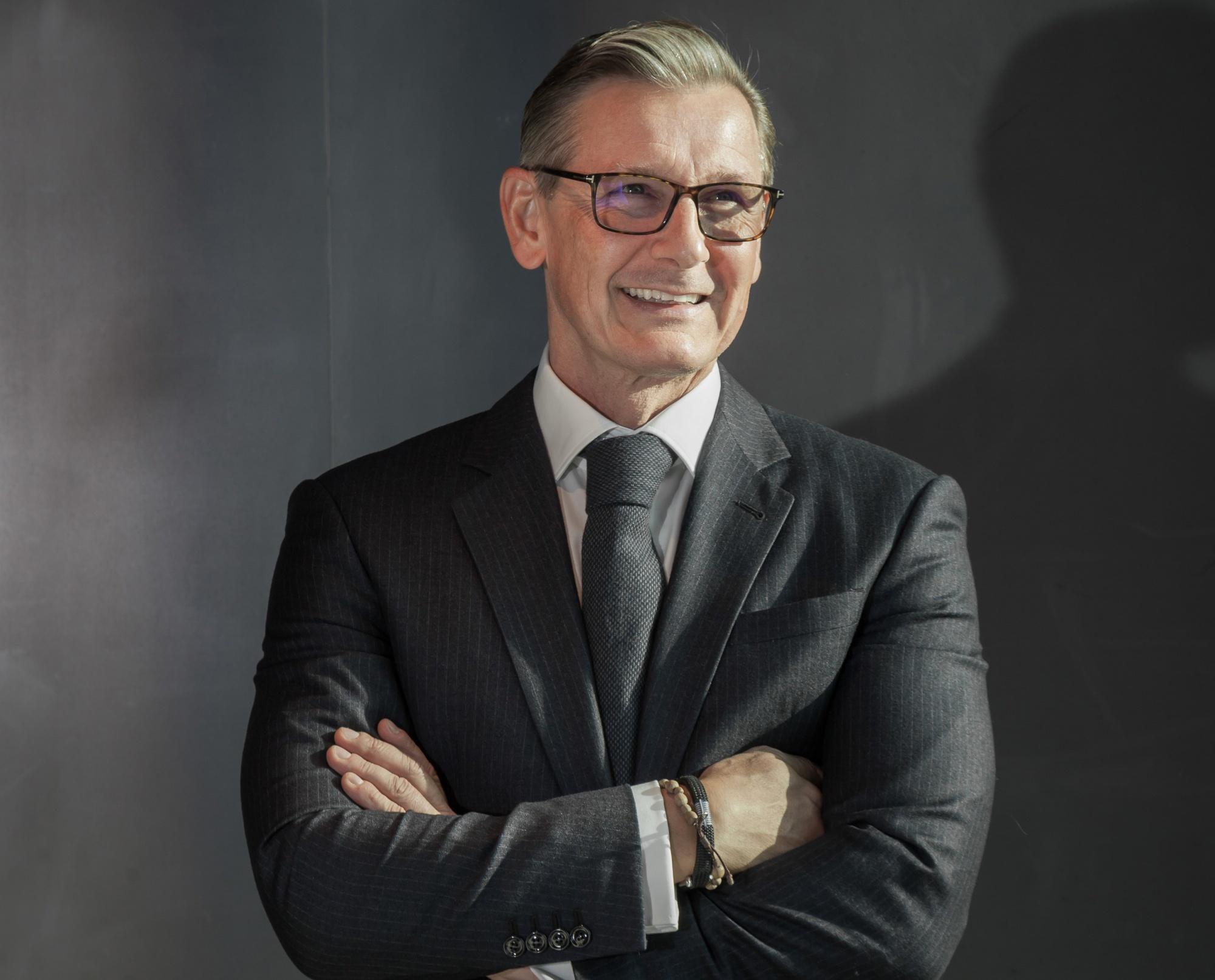 Deutsche Bank's Schuetz Faces Scrutiny of Wirecard Trades   Bloomberg