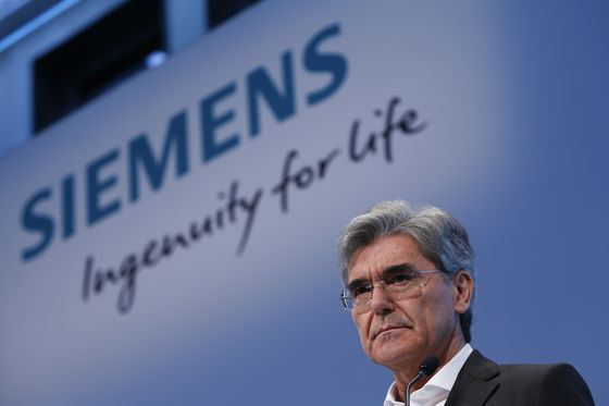 Siemens Big-Bang Overhaul Puts Off Tough Decisions Until Later