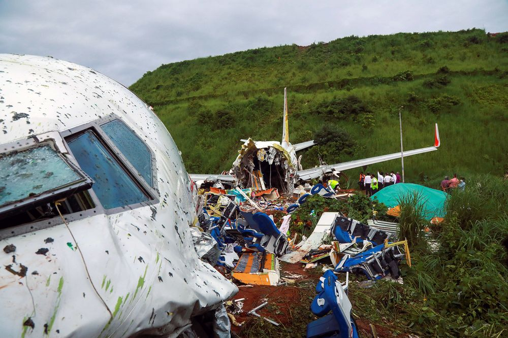 India Ignored Warning On Table Top Runway Before Fatal Crash Bloomberg