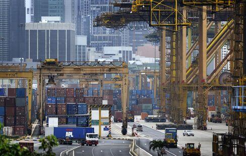 Singapore Exports Fall More Than Estimated on Electronics Slump