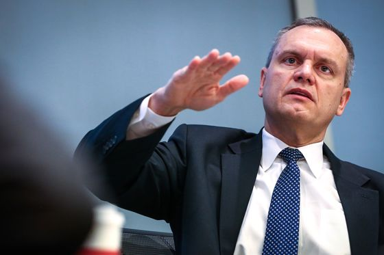 Honeywell CEO Shuns 'Ridiculous' Deals in Focus on Software