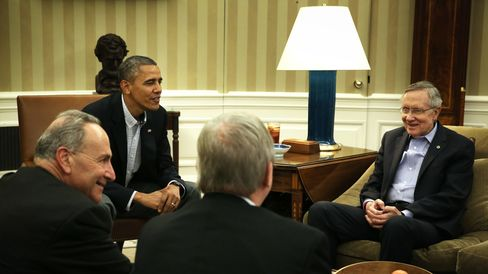 WASHINGTON, DC - OCTOBER 12: U.S. President Barack Obama (2nd L) meets with Senate Democratic leadership, including (L-R) Sen. Charles Schumer (D-NY), Senate Majority Whip Sen. Richard Durbin (D-IL), and Senate Majority Leader Sen. Harry Reid (D-NV), to discuss the government shutdown and the nation's debt ceiling in the Oval Office of the White House October 12, 2013 in Washington, DC. The U.S. Government is on its 12th day of a shutdown. (Photo by Alex Wong/Getty Images)