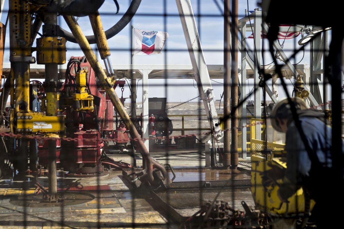 Chevron Would Join Billion-Dollar Break-Fee Club by Walking Away