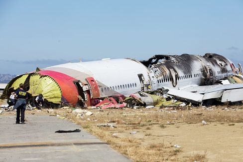 Four Reasons So Many People Survived the Asiana Crash