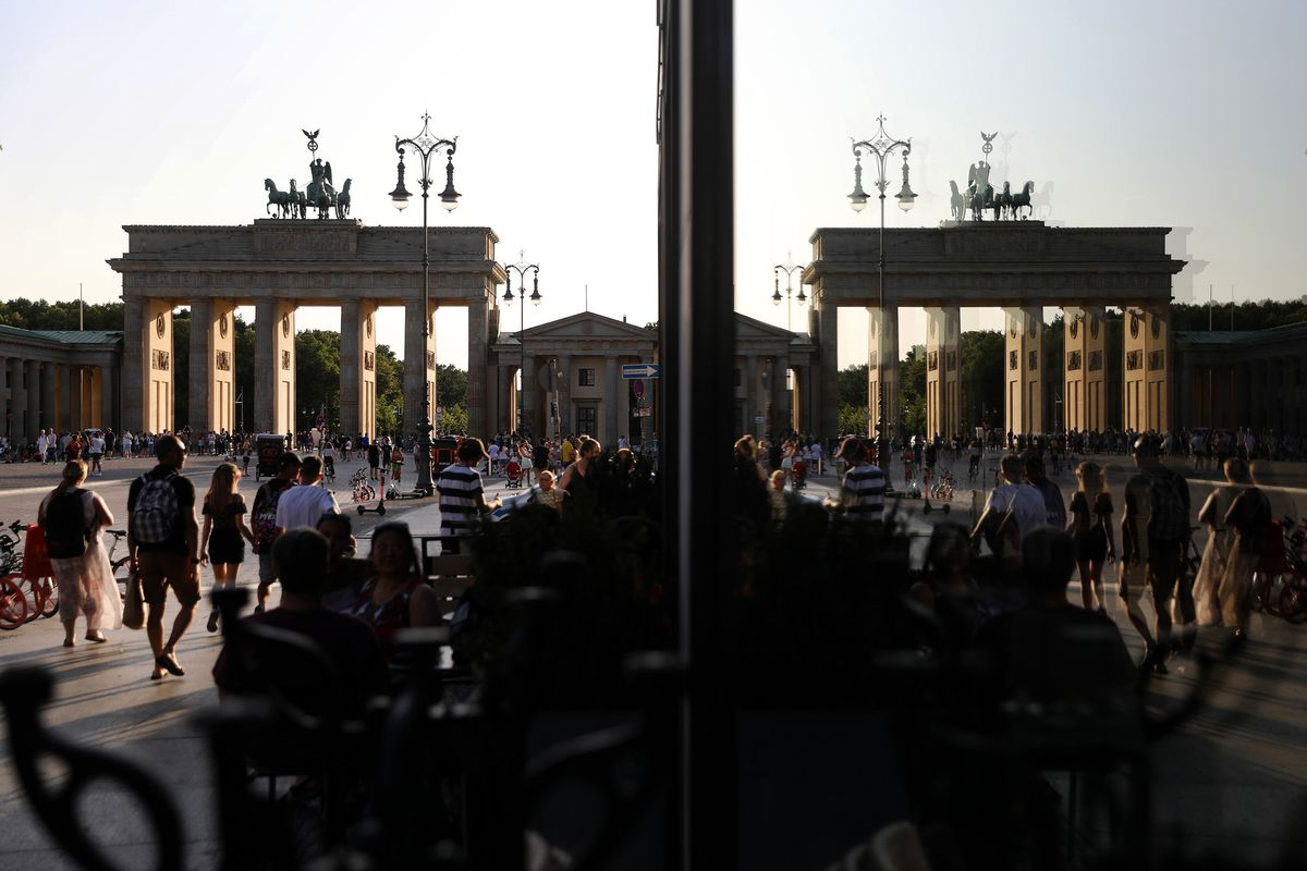 German Chancellery Also Sees Mild Recession, Spiegel Reports