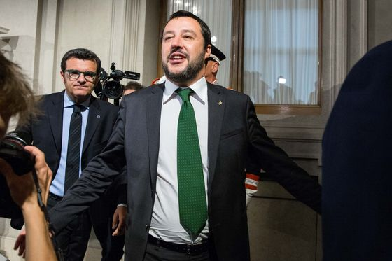 Italy's Establishment Faces Populist Push With No Champion