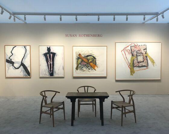 Female Artists Show Strength at New York's Park Avenue Fair