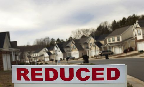 Sales of Previously Owned U.S. Homes Decreased