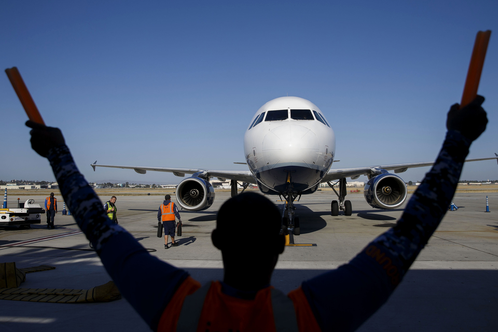 United Is Near a Deal to Acquire Used Airbus Jetliners