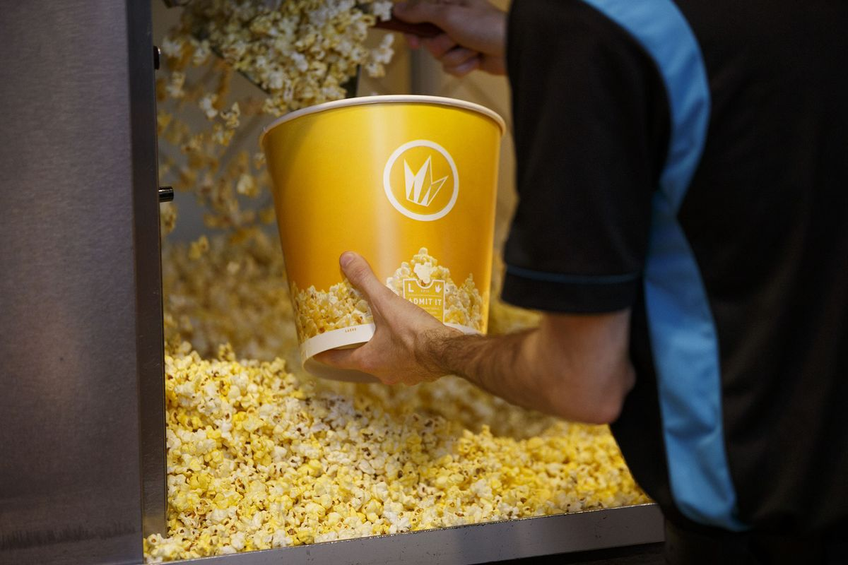 Regal Cinemas Plan May Let You Pay Less for Flops, More for Hits ...