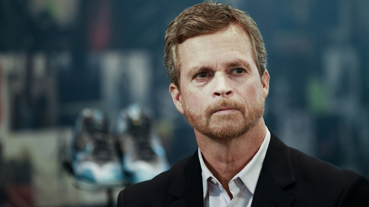 mark parker and effective leadership Parker's leadership in design, product development, manufacturing, distribution and a host of other areas has nike steadily increasing its own market share and outpacing the growth of its own.