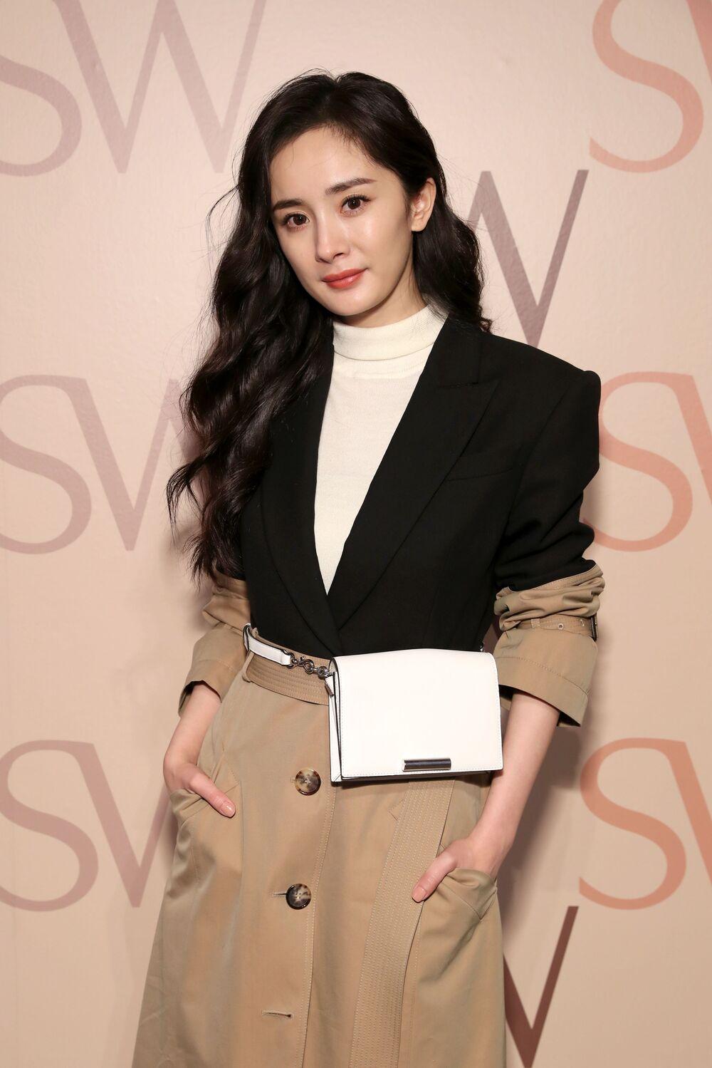 Картинки по запросу versace china brand ambassador