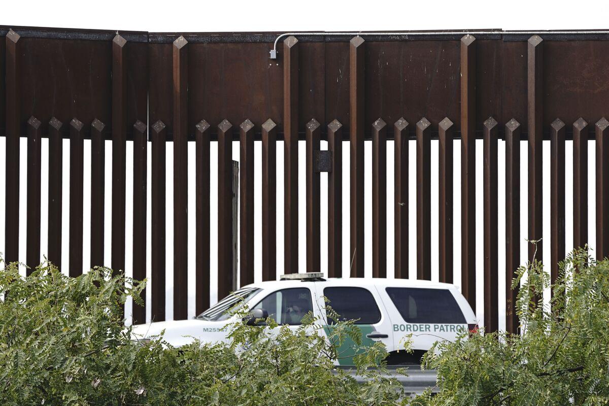 Biden Asks Top Court to Cancel Border Wall, Asylum Arguments