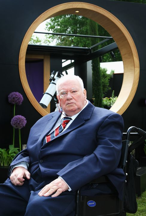 British Astronomer, Broadcaster Patrick Moore Dies, PA Reports