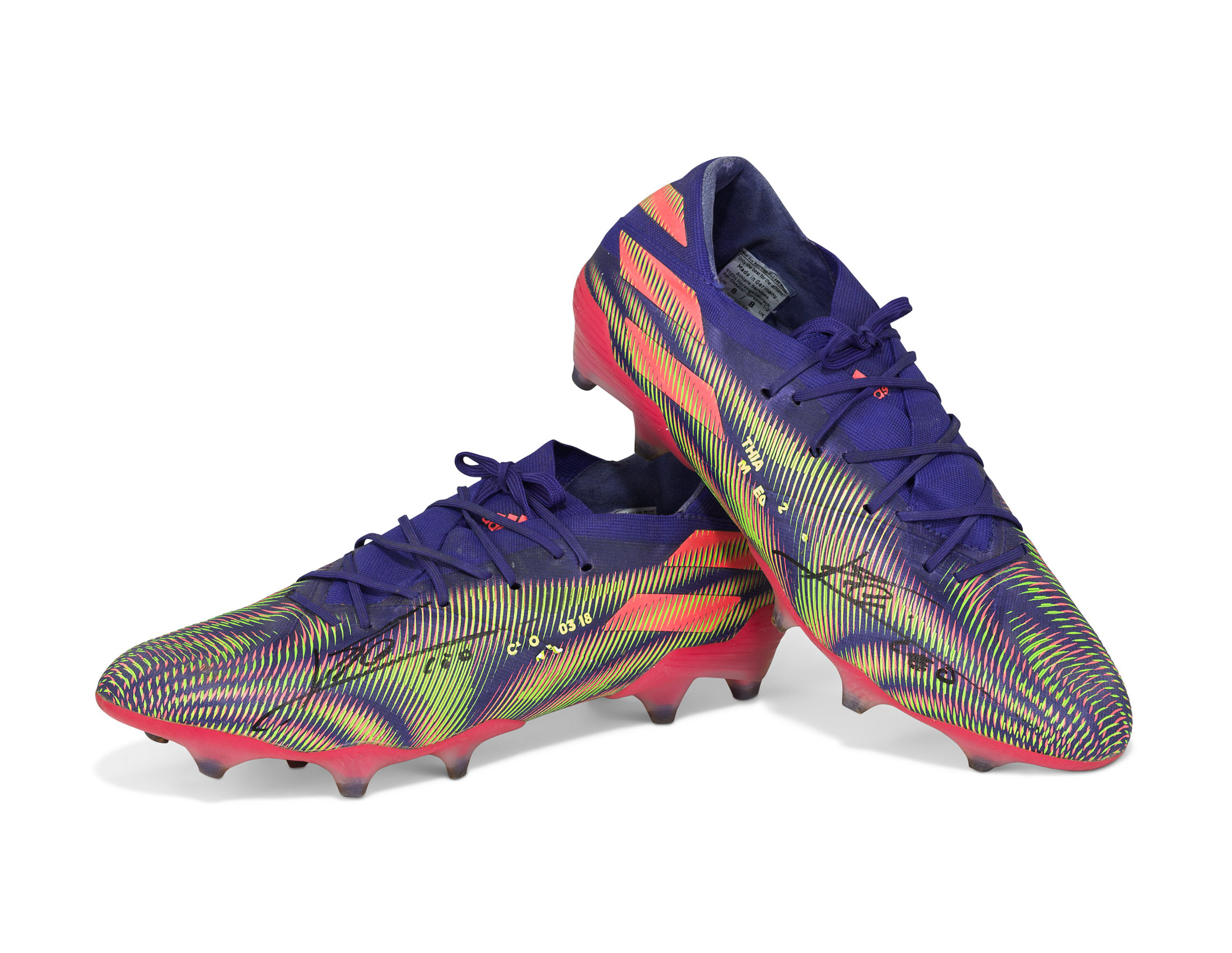 Lionel Messi Soccer Cleats Up For 100 000 At Christie S Auction Bloomberg