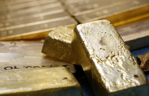 Barrick Goes Worst to First on Bets Gold Bottomed