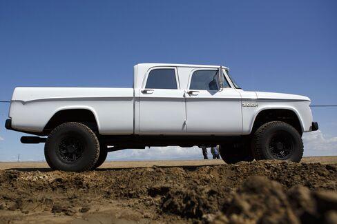 1965 Dodge D200