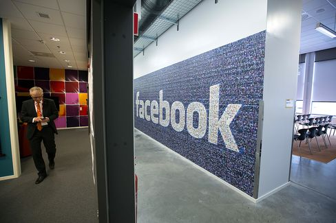 Facebook Said to Plan to Sell TV-Style Ads for $2.5 Million Each