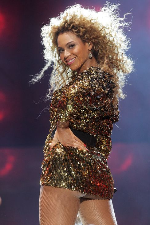 Beyonce Performs at Glastonbury