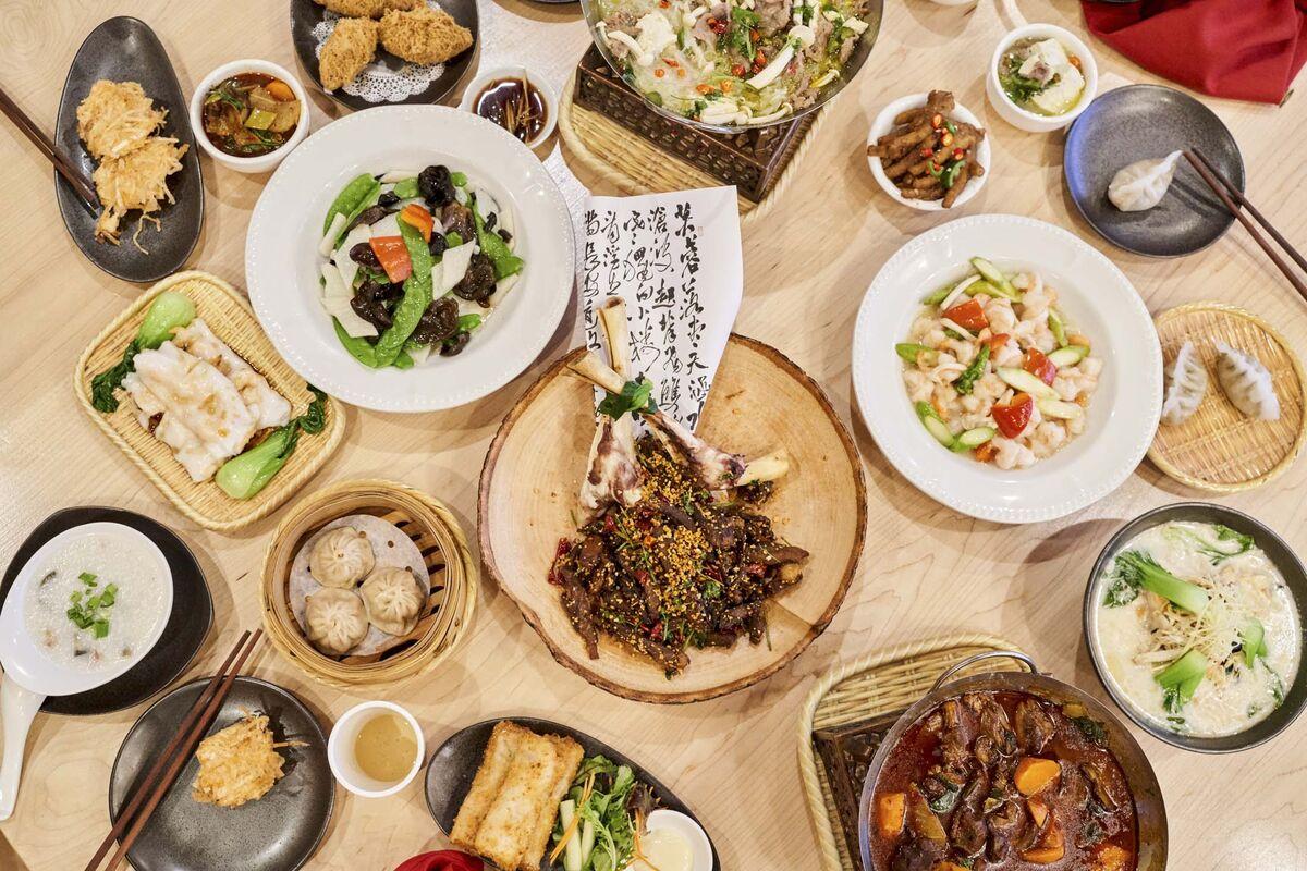 U.S. neighborhoods rally behind Chinese restaurants