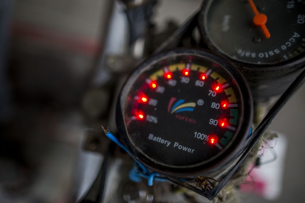 Power Thieves Drain India's Electric-Car Hopes